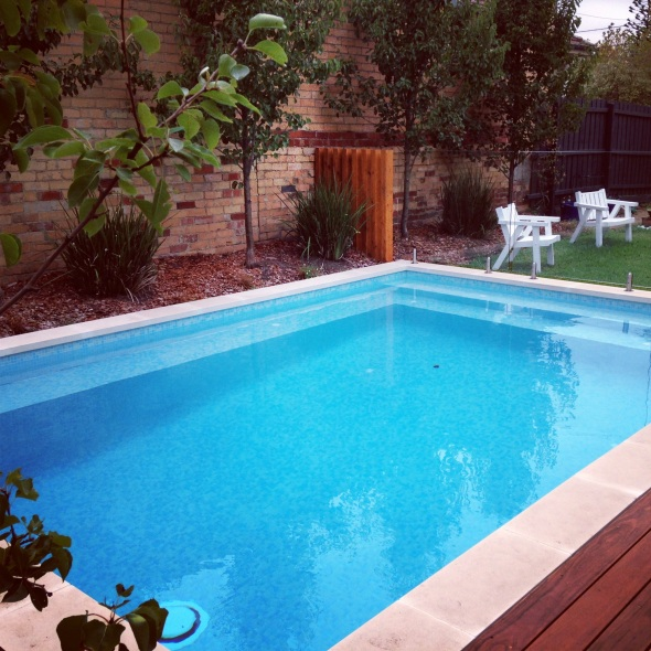 Courtyard pool, infloor cleaning and bisazza glass mosaic tile