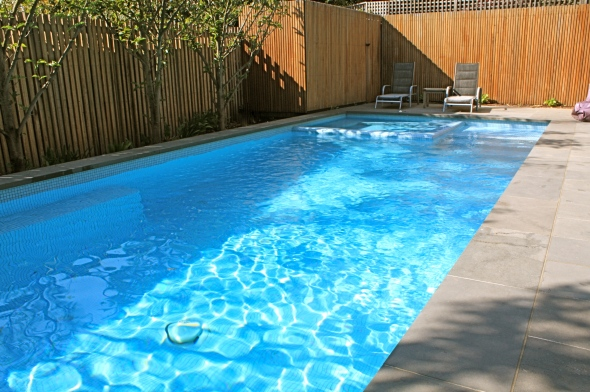 Glen Iris pool and spa with ceramic tile and infloor cleaning
