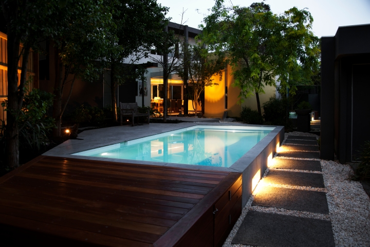 Feature pool lighting