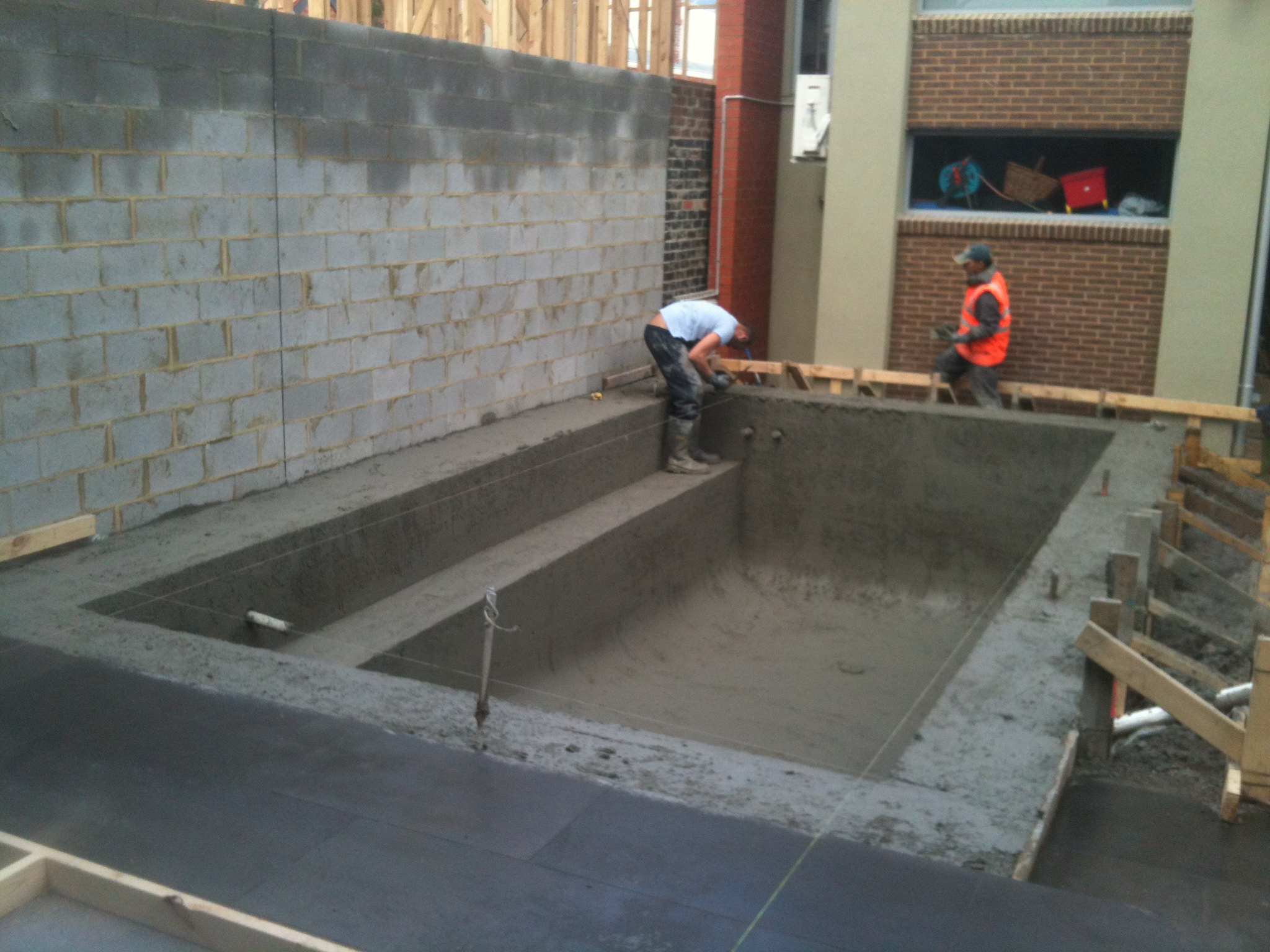 Concrete swimming pool for Concrete swimming pool
